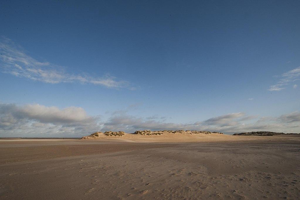 Wells_and_Holkham_beach